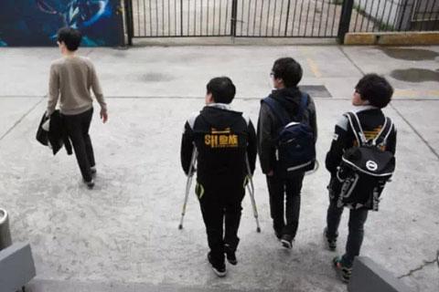 SHR遗憾降级,LGD与EDG会师决赛│刺猬战报