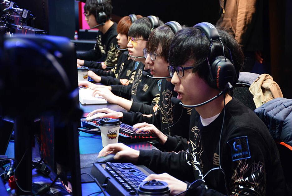 RNG :野辅双雄,三足鼎立!|Data Story