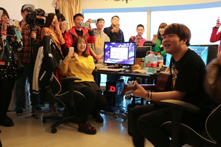 LPL Openday IG篇:豪华江景基地,Rookie生日派对