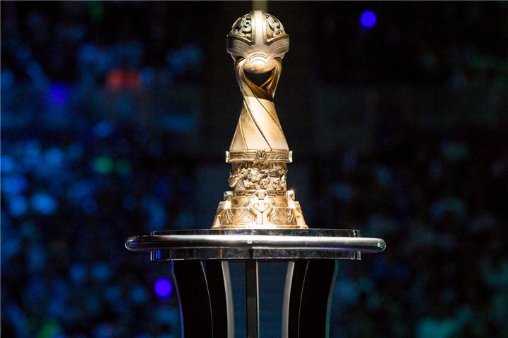 季中赛决赛前瞻:大满贯的SKT?北美新冠CLG?