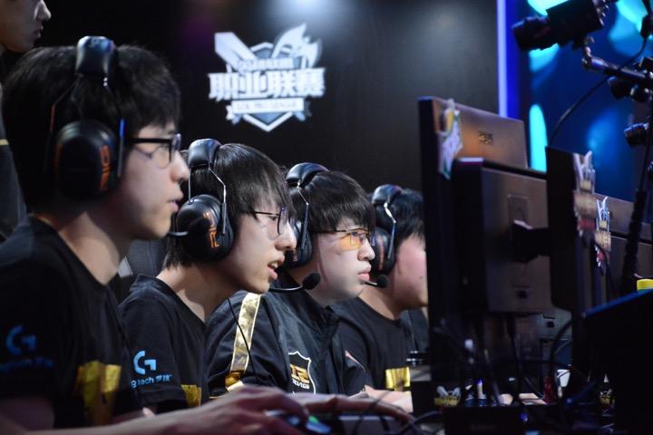 2016夏季赛Mlxg、XiaoHu赛后专访:打法改变,团队还需要磨合