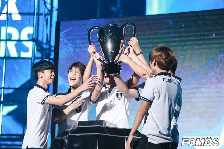 ROX Tigers终获LCK总决赛冠军,携手SKT T1进入S6